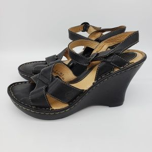 Born Wedge Sandals Black leather Open Toe